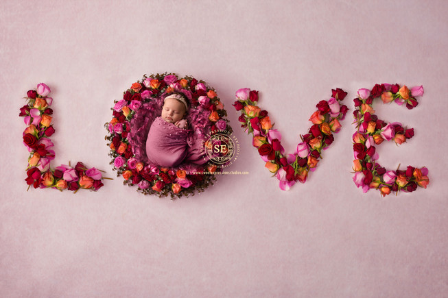 Toronto-Newborn-Photography-LOVE-girl.jp