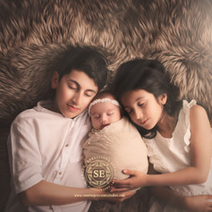 Toronto-Newborn-Photography-Siblings-8.j