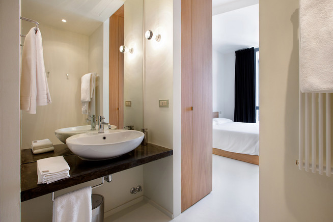 April-Bathroom2.jpg
