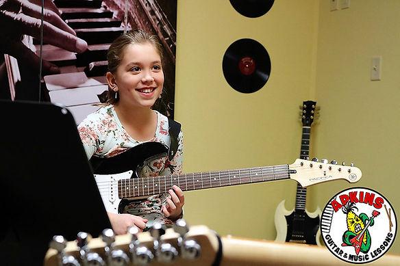 Omaha-Beginner-Guitar-Lessons-Zoey.jpg