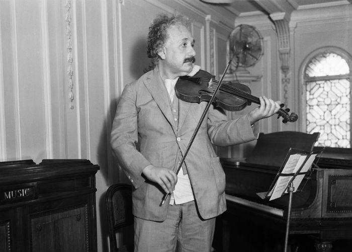 Albert Einstein playing violin