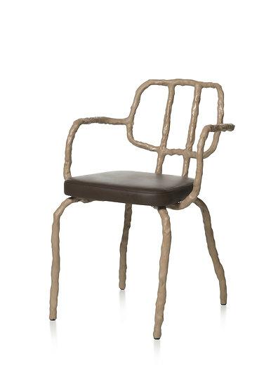 PLAIN CLAY Dining chair with armrest