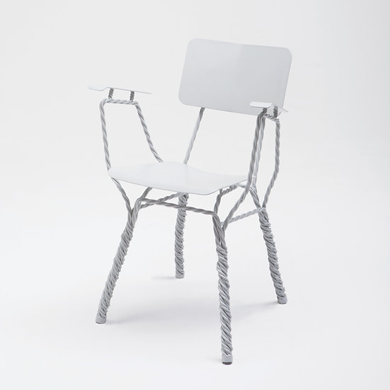TWISTED Chair with armrests