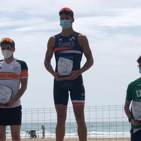 La Universidad de Alicante campeona de triatlón