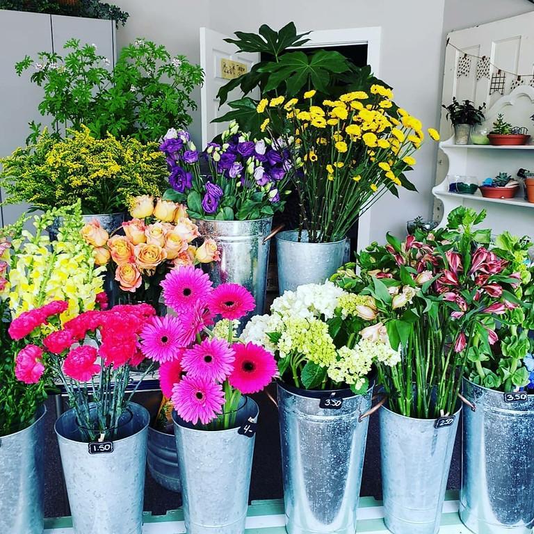 BYOV Flower Bar workshop (bring your own vase)