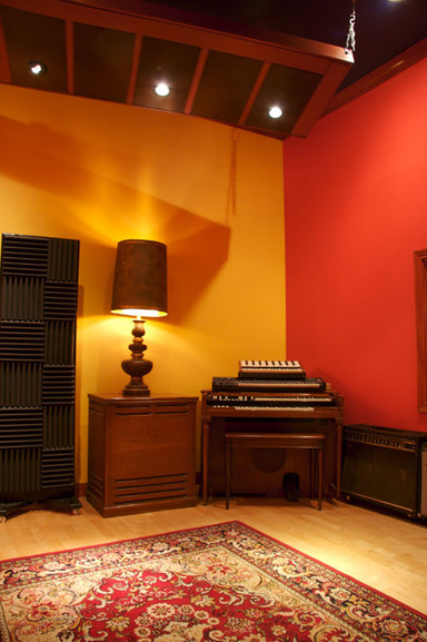THE RECORDING ROOM