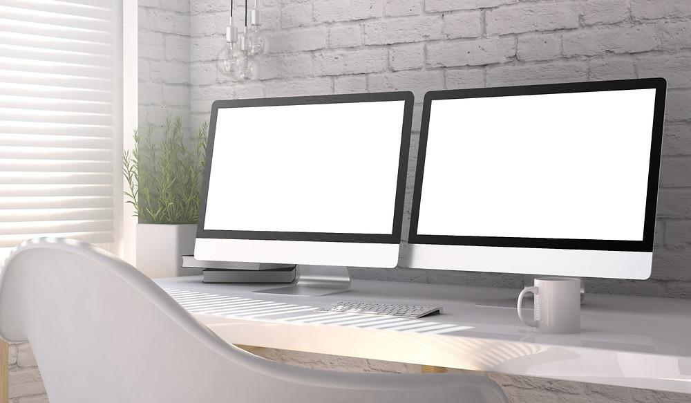 Poste de travail avec deux écrans