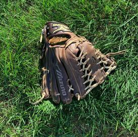 Mizuno Left Handed Glove