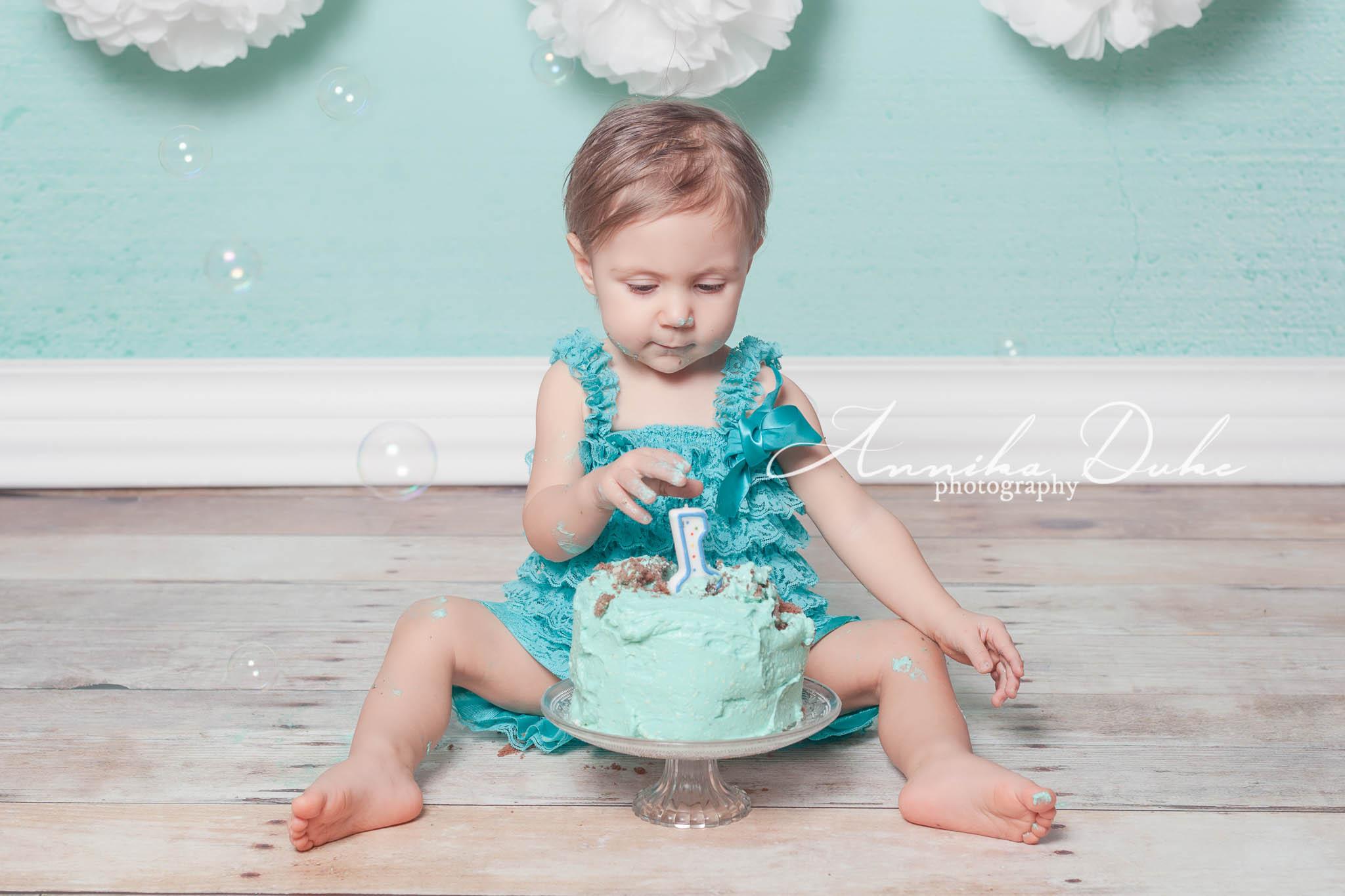 Emma_cake_smash-128-Edit_AD_klein