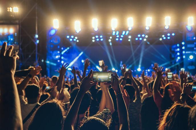 concert-crowd-music-fanclub-hand-using-c