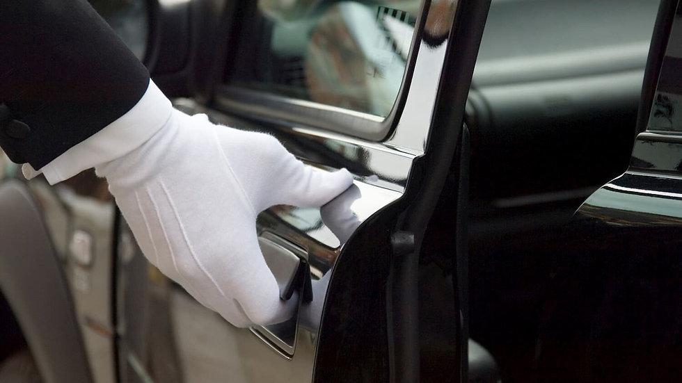 vip-limo-service-chauffeur-1500.jpg