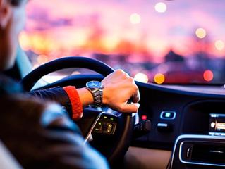 Motoristas do Uber e outros aplicativos podem ser MEI; saiba como fazer