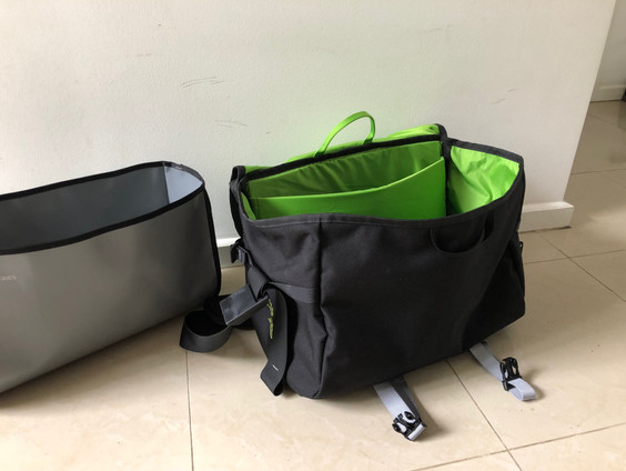 Geology-bag with rock sample insert