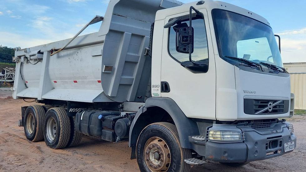 Caminhão Caçamba Volvo VM 330, 6X4, Meia Cana Rossetti 16 m³– 2012