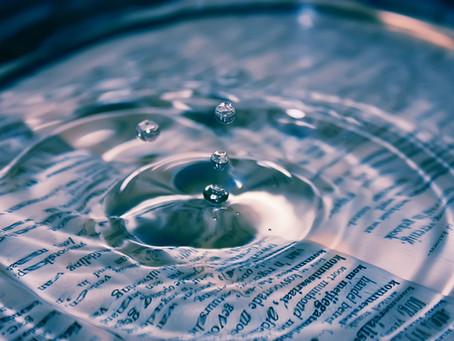 La palabra agua no puede mojarte
