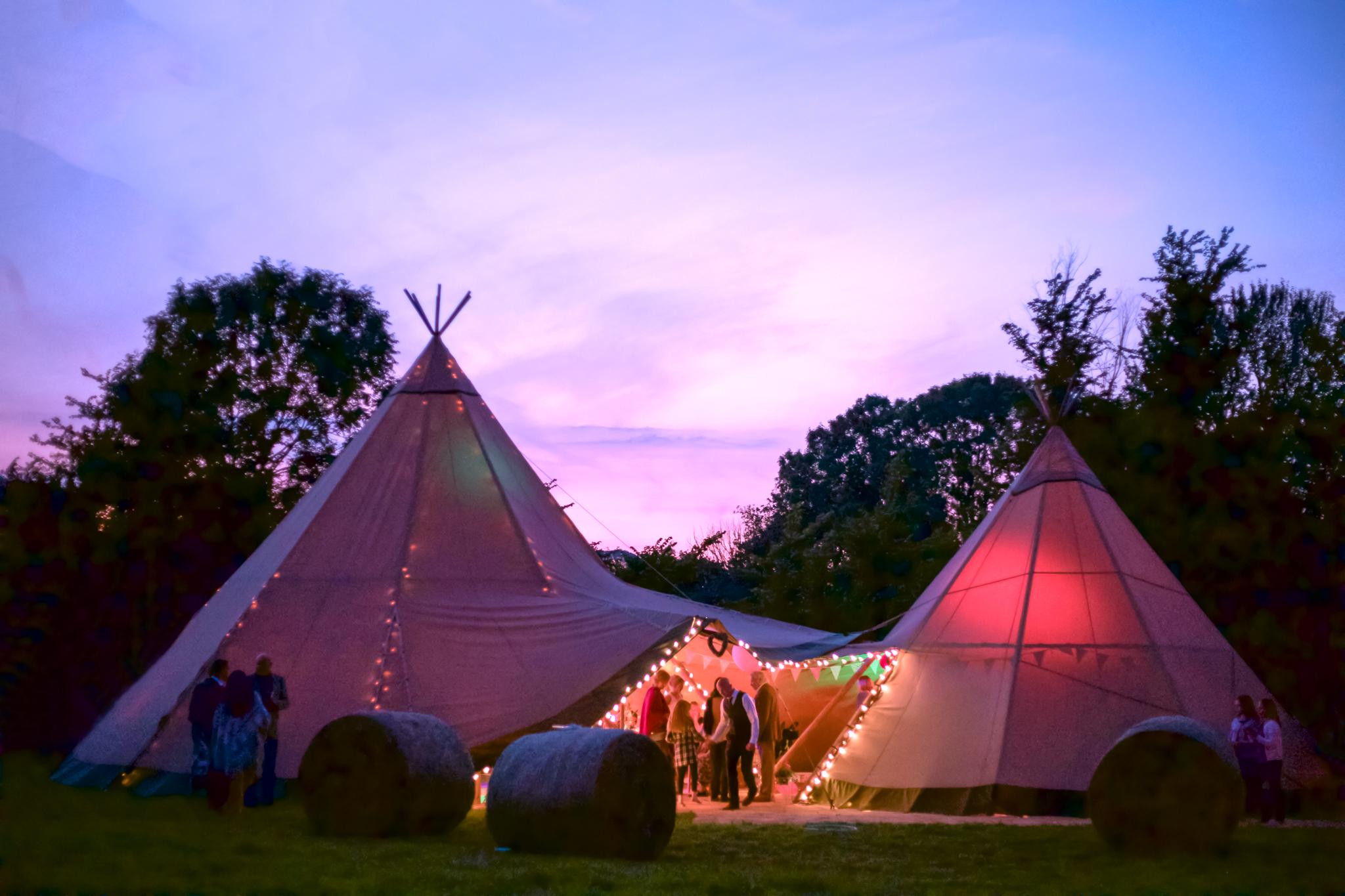 kingscote-barn-wedding-photographer-cardiff-1-2
