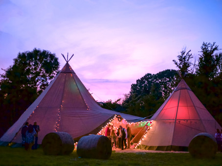 {Wedding} Gemma & Phil, Tipis