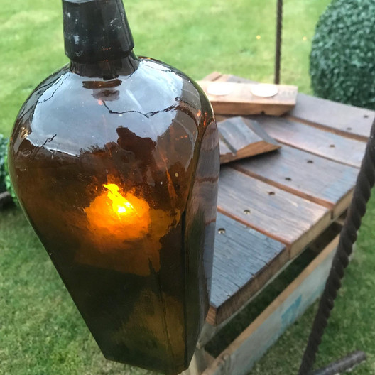 Bottle hanger with Candle