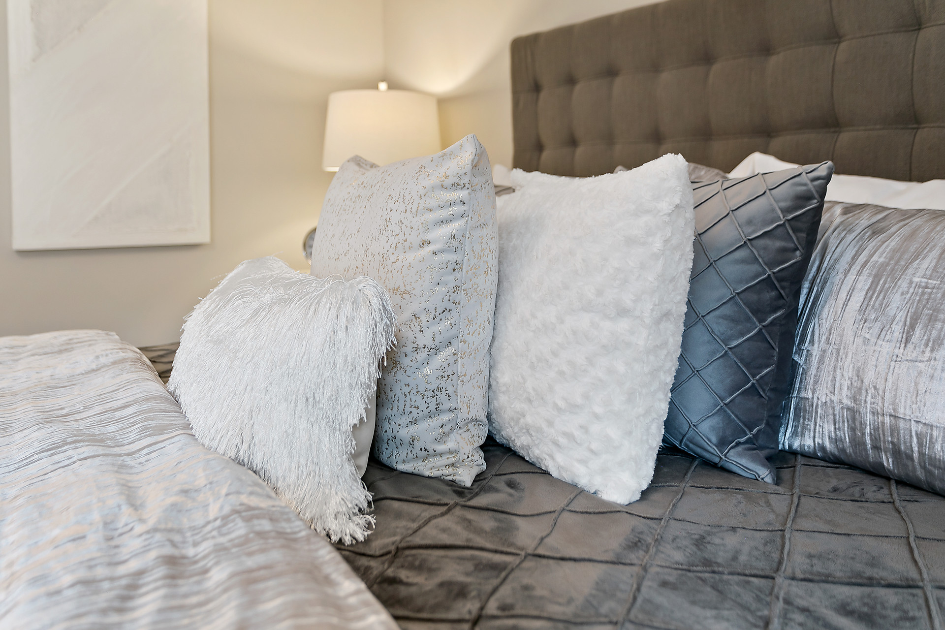 How to COmbine Luxury Pillows for Master