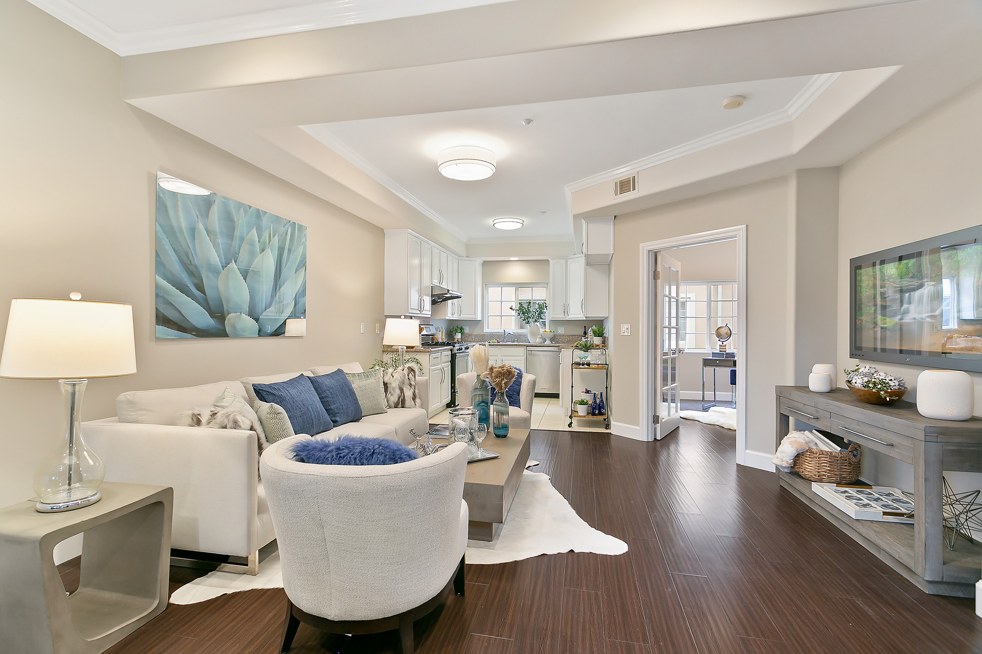 Staging a Living Room Modern Transitiona