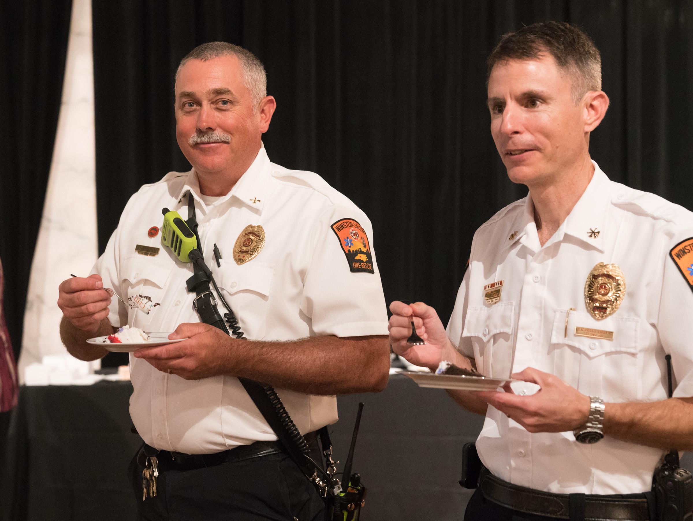 Firefighters eating.jpg