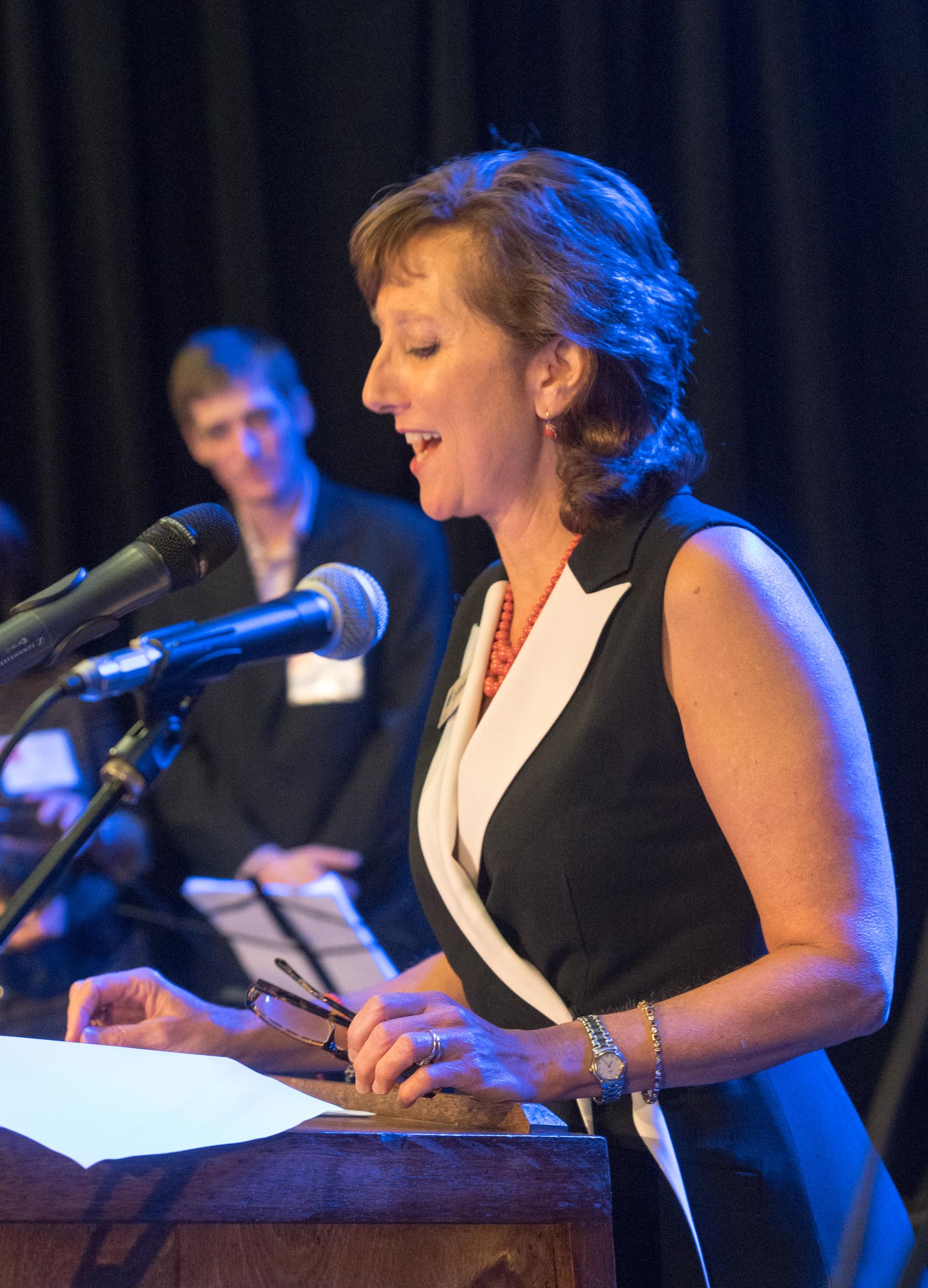 Iris podium.jpg