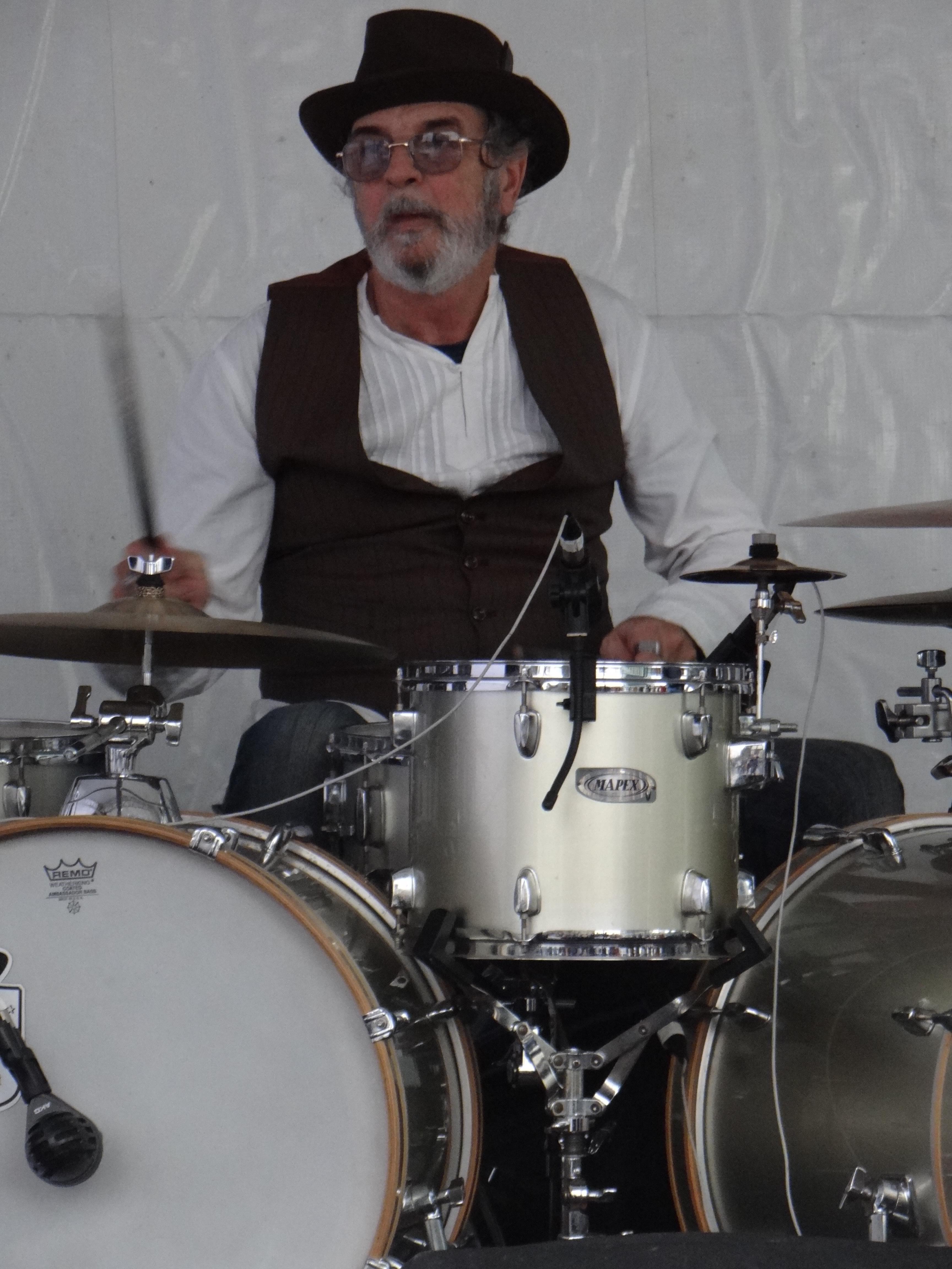 Paulo Parmino - Drums