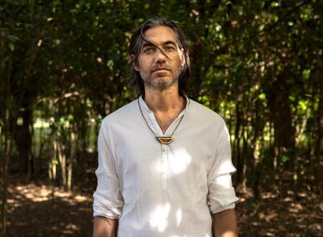 Uji, hijo adoptivo de la selva presenta un dinámico EP de remixes