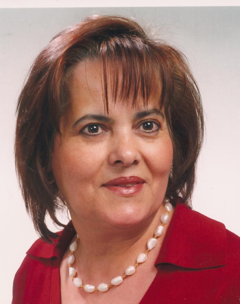 D. Mª Vitória Santana Duarte Vieira