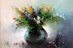 Цветы с голубой стрекозой