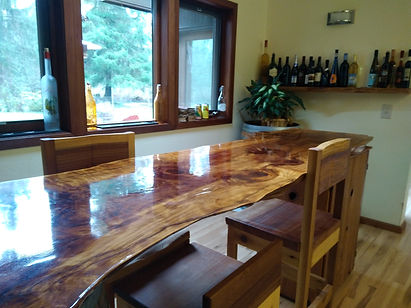 Professionally cleaened dining room