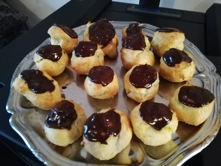 petits choux au chocolat.jpg