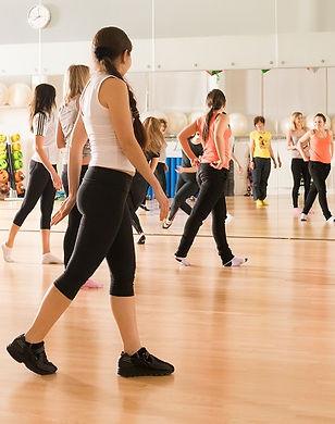 Femmes_coursSport_Fitness_DesignedByNiki