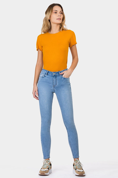 Jeans Body Curve Skinny Tiro Alto