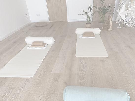 Offline Yoga in Cookham Unwind Yoga Studio