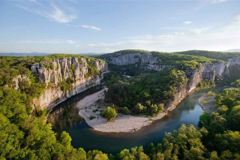 ardeche-river-e1534425675349.jpg
