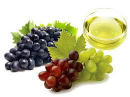 The Benefits of Massaging With Grapeseed Oil