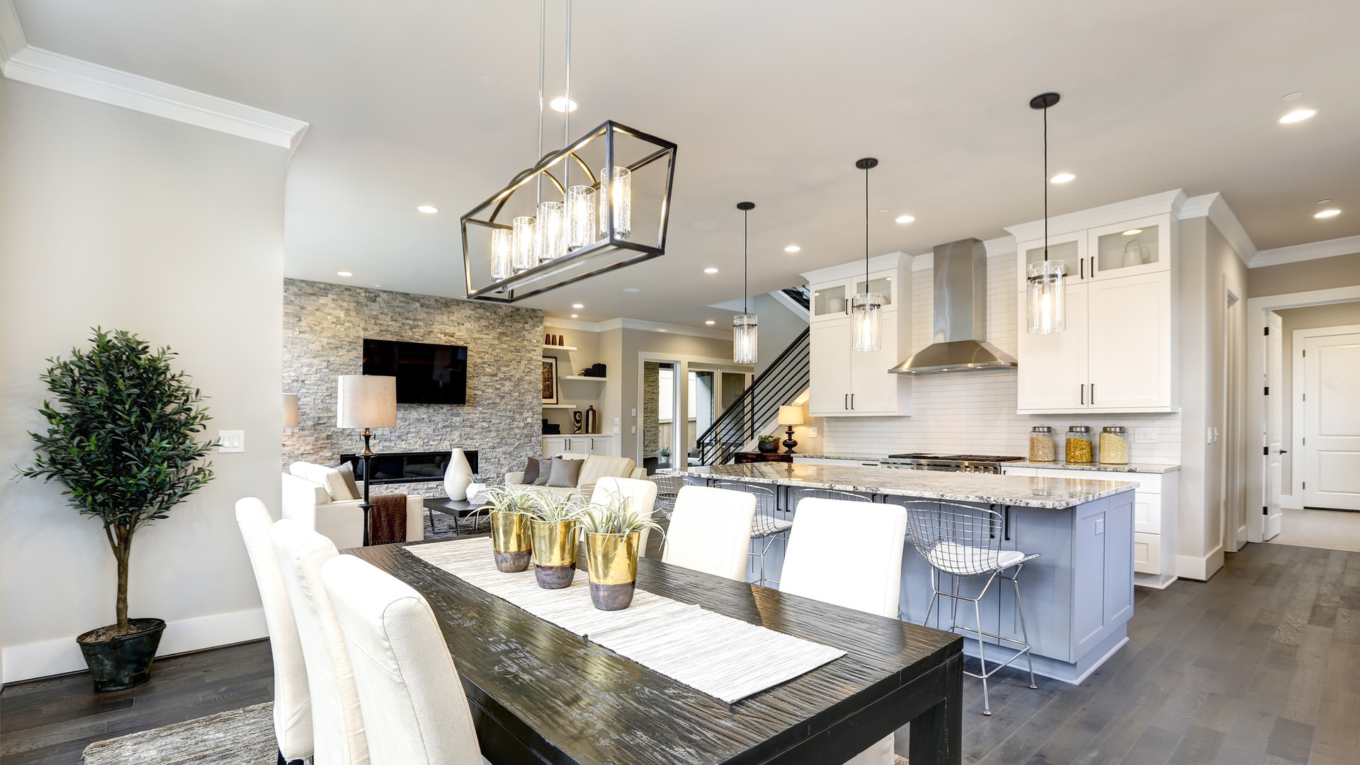 beautiful-kitchen-in-luxury-modern-conte