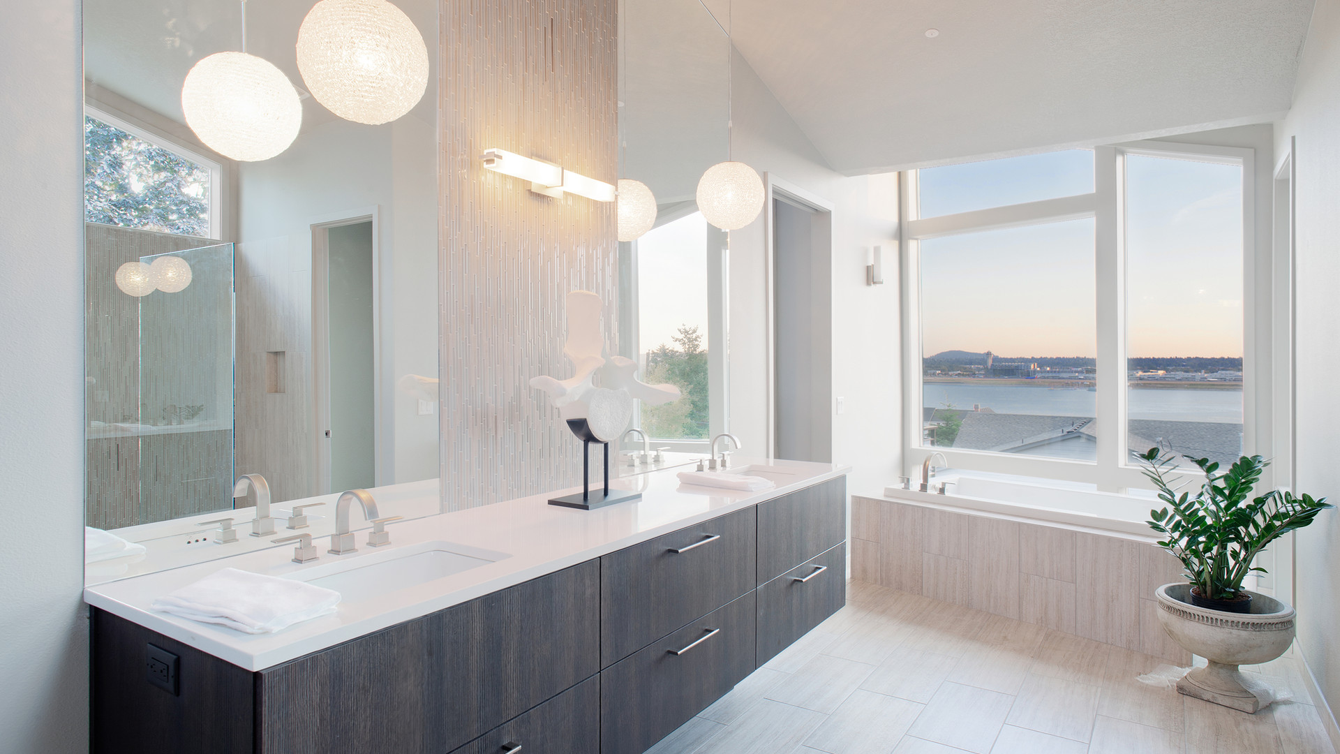 luxury-bathroom-27261022.jpg