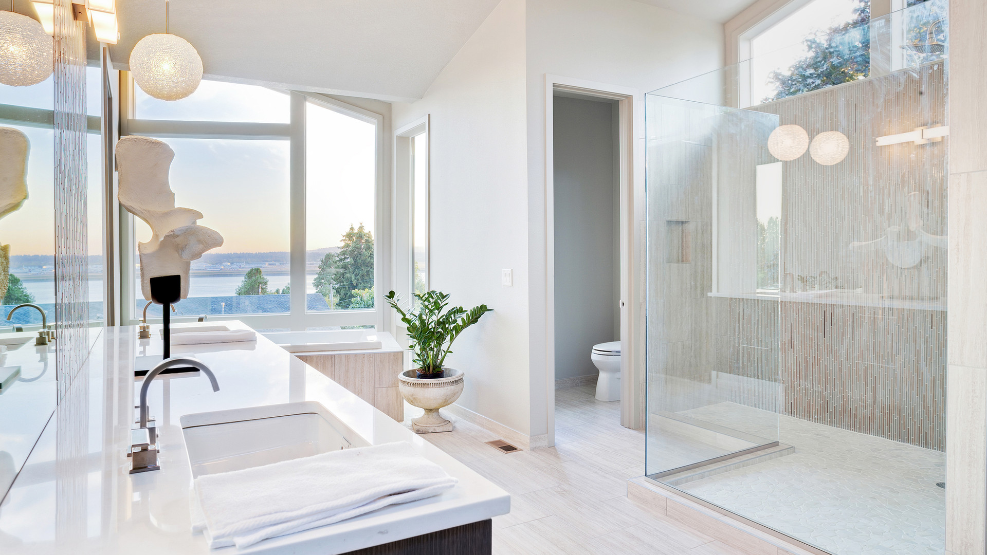 luxury-bathroom-27239366.jpg