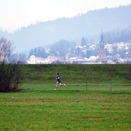 Jonas Müller feiert 5-km-Sieg zum Jahreswechsel