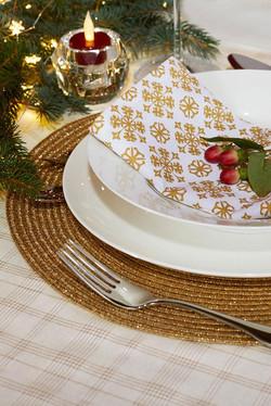 DINNERWARE & ENTERTAINING