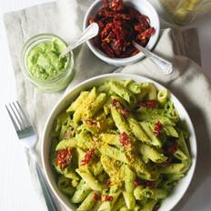 creamy pasta + pesto