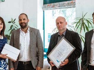Az MVM Csoport tíz táblagéppel támogatja az Egyszülős Központ társadalmi segítő tevékenységét
