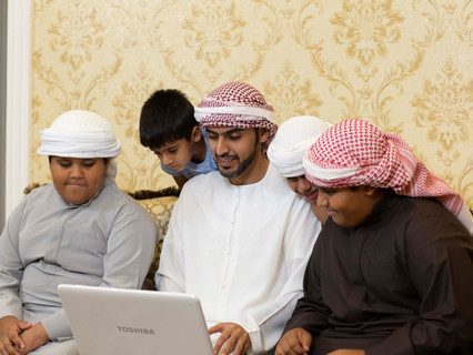 Ministry of Education collaborates with Yahsat to offer free satellite broadband services in areas l
