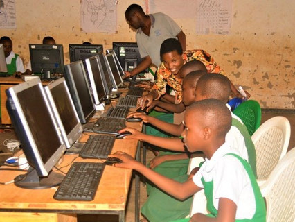 NEXSTAND EU celebrate a new partnership with the Turing Trust – 1 for 1 Tech for children in Africa