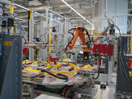 Robots at work! Airbus fully automates solar array production