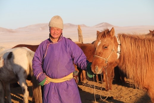 Herd owners deploy Globalstar satellite IoT collars to track livestock and racehorses across Central Asia