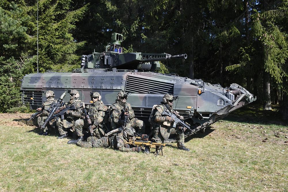 """System Panzergrenadier"": Rheinmetall modernizing Puma infantry fighting vehicle and other equipment for NATO spearhead VJTF 2023"