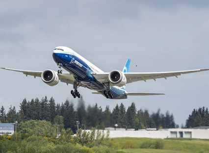 Inmarsat's new 'smart pipe' technology delivers the complete connected aircraft for new Boeing 7